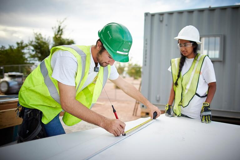Nasko Balaktchiev, Project Manager and Ashna Ayub, Mechanical Engineering Junior Work on 2017 Solar Decathlon House